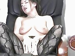 Big titted Girl figures herself to orgasm
