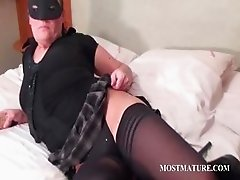 Busty mature pleasing horny cunt