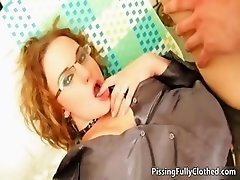 Blonde bitch gets her wet pussy fucked part1