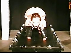 Slave had her tits bounded