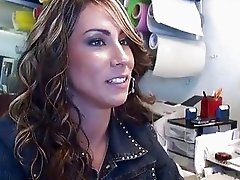 Slender saleswoman Amy Valdes fucking hard in shop