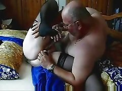 Old lady still loves sex !! Amateur