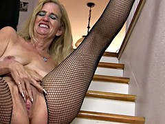 Saggy tits mature babe fingers in fishnets