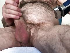 Schwanzrasur und geile Beine