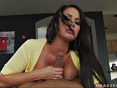 cock hungry pornstar savannah stern gives an incredible blowjob