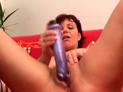 Mom Knows How To Fuck Herself