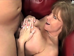 Darla is blowing hot dick