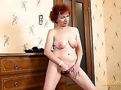 Shaved mature cunt looks wicked tight and sexy