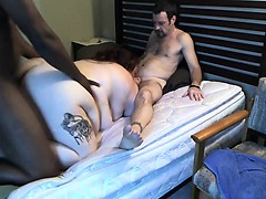 Big fat brunette mamma blows one dude while a black dick na