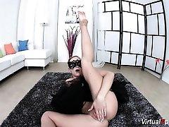 flexible Ballerina Vinna Reed