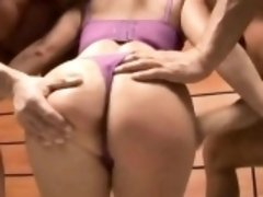 Alluring Goldie gives sinful handjob