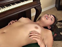 piano lessons with the kinky florence lai