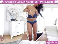 VR PORN-LEXI DONA FINGERING HER WAY TO ORGASM