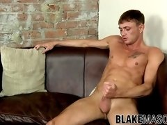 Gorgeous stud Leo Dcartier strokes his dick passionately