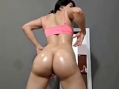 nice oiled round ass