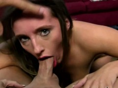 Busty Jamie Jackson Loves Blowjob