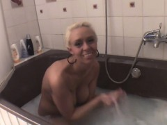 AmateurFiles 025 X In Natursekt baden