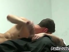 Amateur french dude cums tugging